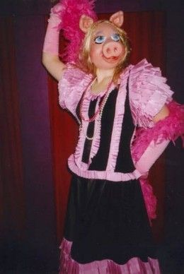best 25 miss piggy costume ideas on pinterest kid costumes best kids halloween movies and. Black Bedroom Furniture Sets. Home Design Ideas