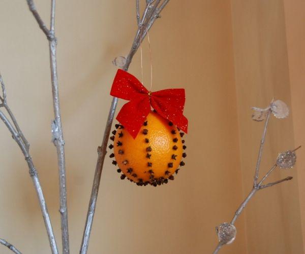 DIY Weihnachtsbaumschmuck-´aus Naturmaterialien ~ Baumkugel-Orange