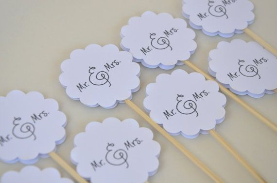 Mr and Mrs Cupcake Toppers12 Wedding Cupcake Toppers by FreshGifts