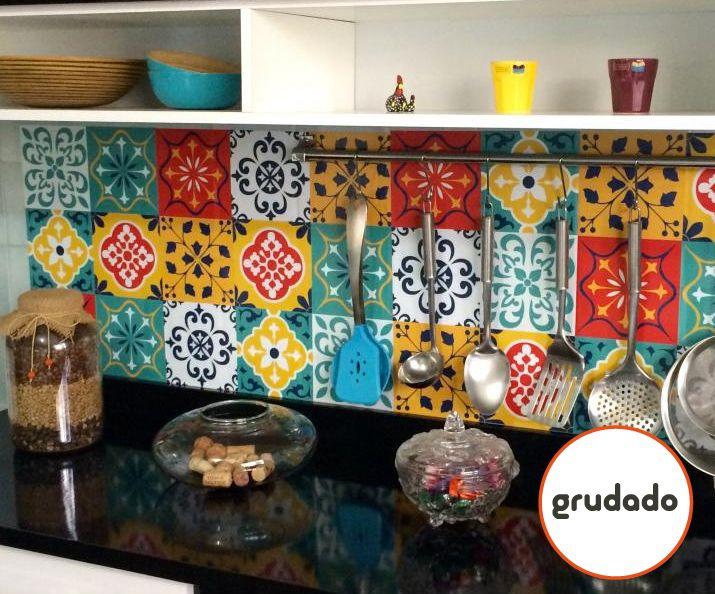 Adesivos de Azulejo para renovar sua Cozinha   Grudado