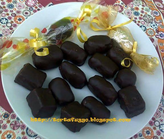 Tortafüggő Marisz: Vajkaramellás házi szaloncukor http://tortafuggo.blogspot.hu/2012/12/vajkaramellas-hazi-szaloncukor.html