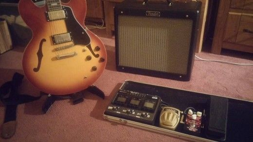 Advice and tips for the Gigging Guitarist. Less is more Keep it simple! There's a wealth of very complicated equipment available on the market today. Multi-channel amps, multi-effects units w…(Source: adamharkusblog.wordpress.com)
