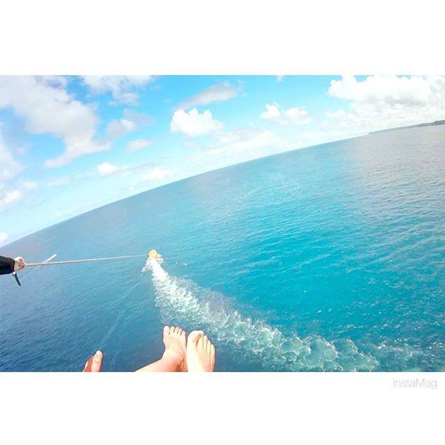 【yu_610623】さんのInstagramをピンしています。 《#パラセーリング 2人で飛んだょ☀️ #ocean #parasailing #sea #blue #sky #guam #love #trip #グアム旅行 #快晴 #海 #常夏 #beach#goprohero #goproのある生活 #gopro女子 #ゴープロ #ゴープロデビュー #olympus倶楽部 #olympuspen #olympus倶楽部 #olympuspenepl7 #ミラーレス #ミラーレス一眼レフ #カメラ #lover #ファインダー越しのわたしの世界 #カメラ女子 #カメラ好きな人と繋がり》