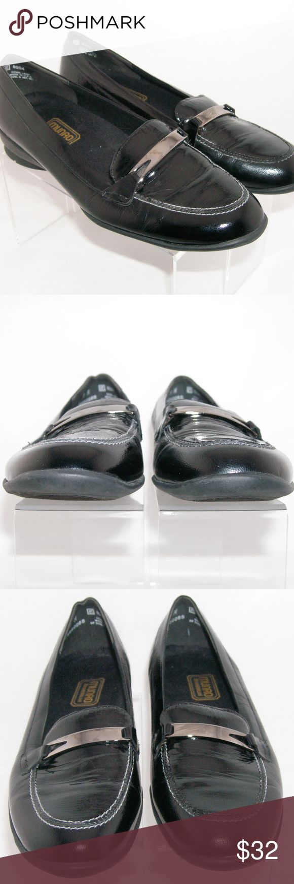 """Munro American 'Brook' leather snake loafers 9M These Munro American loafers features a leather upper, faux snake print design, rubber soles, removable inner sole, silver tone hardware, 3.5"""" width, and a 1"""" shock absorbing heel. Slightly worn upper, heel, and sole. Made in USA Munro Shoes Flats & Loafers"""