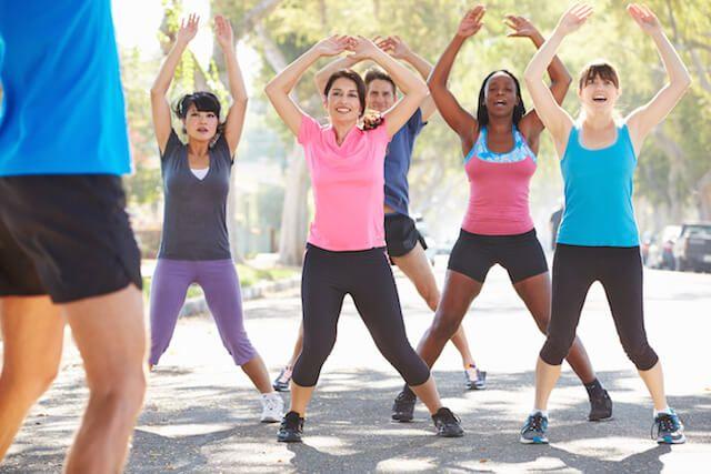 Quel exercice est le plus efficace pour éliminer la cellulite ? noté 3 - 3 votes Pour déloger la cellulite, il faut bouger un maximum! Le classique «jumping jack» est un exercice ultra efficace qui permet de brûler un maximum de calories, de muscler les cuisses et les fesses tout en faisant travailler le cœur....