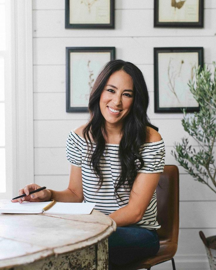 Pregnant Joanna Gaines Shares Photo of Biggest Baby Bump Yet In Honor of Her 40th Birthday