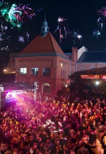 Kulturbrauerei Silvester Berlin - Silvester Berlin,Silvester 2009/2010 - In der Silvesternacht verwandelt sich die ehemalige Brauerei in eine Partyhochburg. Über 30 DJs sorgen an 15 Danceflors für Silvesterstimung. Alle Clubs-, Party-...