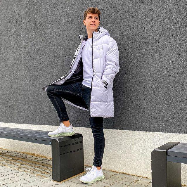 Jacob Na Instagramie Najpierw Mleko Potem Platki Milego Dnia Ps Nagrac Fortnite Na Kierownicy Coat Raincoat Lab Coat