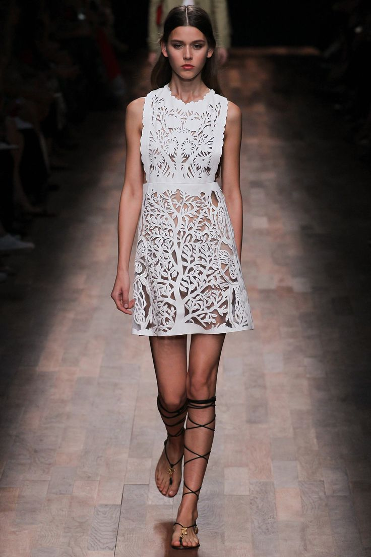 Valentino Spring 2015 Ready-to-Wear - Collection - Gallery - Look 43 - Style.com