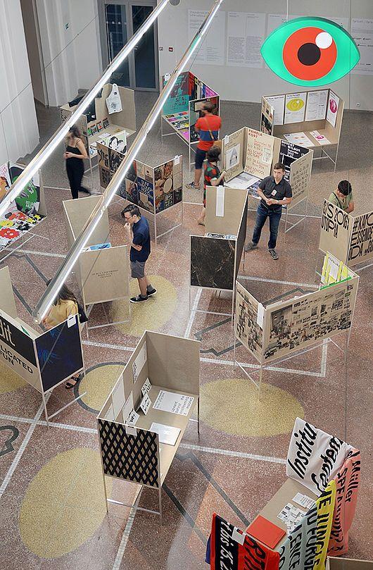 Die BURG auf der 27th Brno Biennial