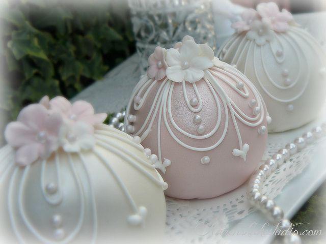 Wedding Bauble Cakes by Karen's kakes, via Flickr