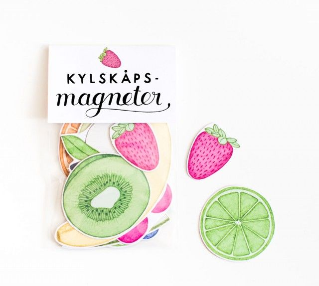 Fridge magnets in the shape of summer fruits by Tovelisa! #nordicdesigncollective #summer #sommar #hellosummer #green #nature #season #vacation #warm #sun #sunshine #sunny #fridge #magnet #fridgemagnet #kiwi #strawberry #blueberry #raspberry #orange #pear #apple #banana #watermelon #melon #cherry #pink #yellow #green #lime #seeds #tovelisa