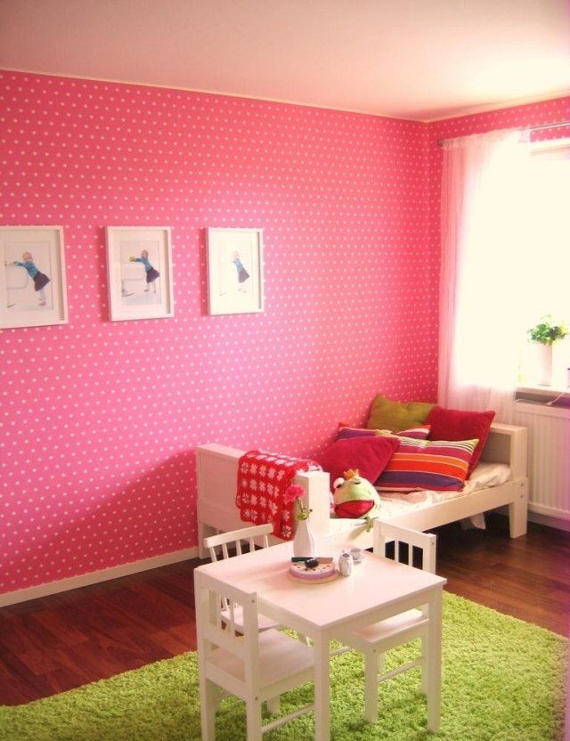 Wandfarben Ideen Kinderzimmer Mädchen Rosa Gepunktet Grüner Teppich