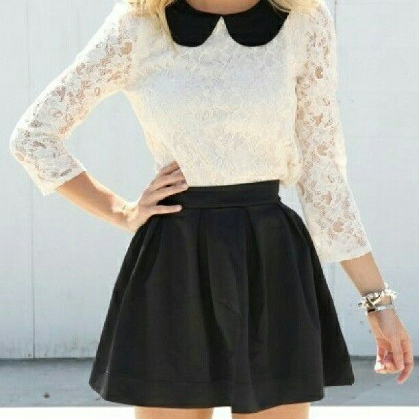 Such a cute outfit! The collar is absolutely adorable. :)