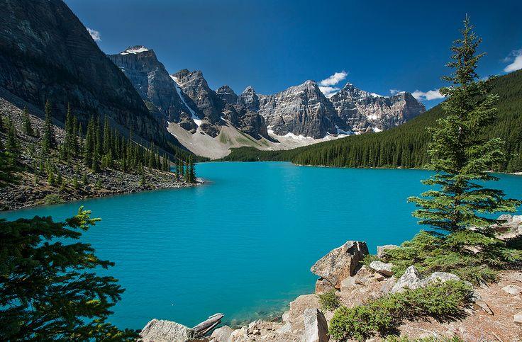 O azul surpreendente do Lago Moraine no Canadá  Guia Viajar Melhor