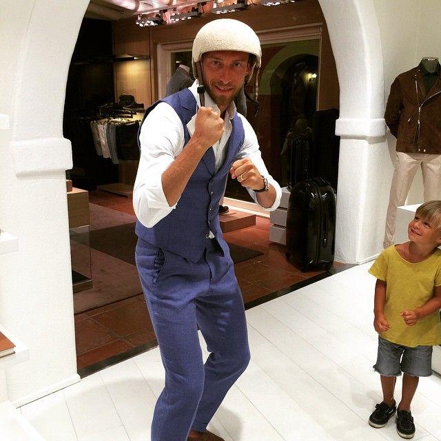 """#ClaudioMarchisio Claudio Marchisio: Leonardo: """"Papà sei proprio...."""" #momentidipazzia #sardiniaexperience @fortevillage #mondaynight #leo #papi #sigioca #goodnightworld"""