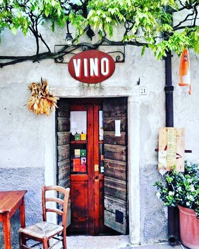 Italy is calling us! We'd very happily spend the rest of the day at this little Italian eatery!  Image: The Culture Trip #yesplease #afternoonfun #vino #wineobsessed #wine #winewednesay #thirstythursday #winelovers