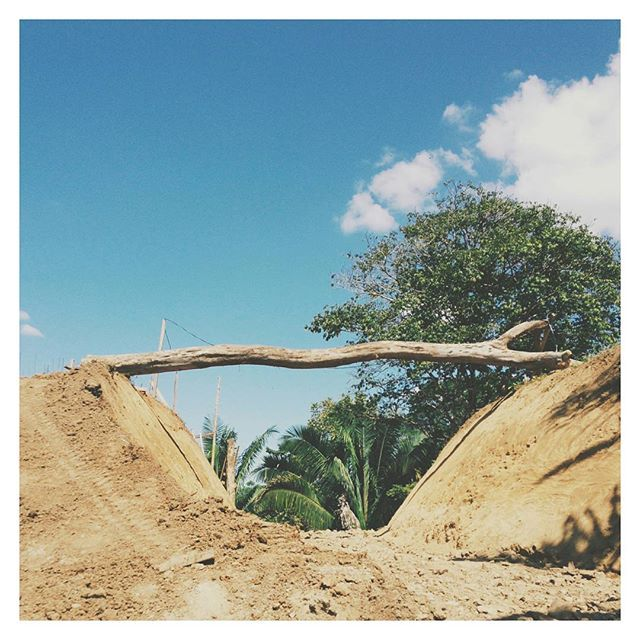 how to envision a soon-to-be-built bridge....on site this week at @cirenas.costa.rica #construction #design #structurallysound #engineering #bridge #landscapearchitecture #architecture #designstudio #masterplanning 📷@lau_fesilvestre