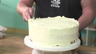 Cake Frosting Hacks over at #RealGirlsKitchen with Duff Goldman!
