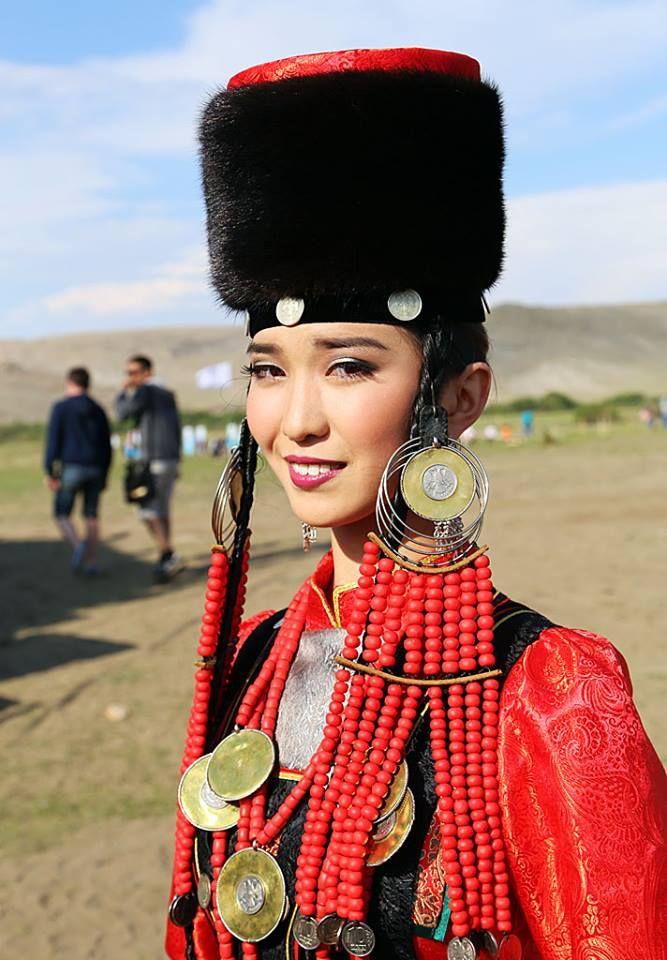 mongolian-women-beach-erotic