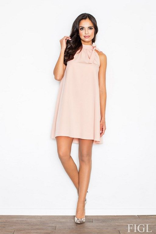 Trapezowa sukienka w odcieniach pudrowego różu