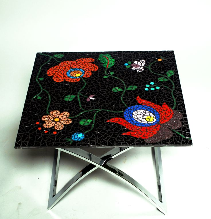 Coffe table decorated with glass mosaic Hungarian flower motif 60×60 cm