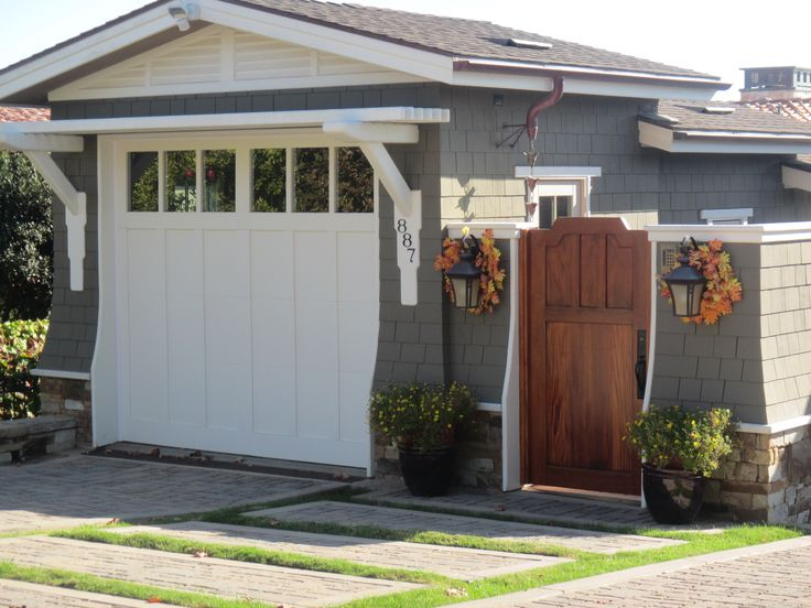 123 best images about curb appeal going craftsman on pinterest for Craftsman style garage lights