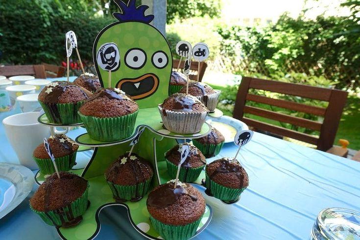 Muffins auf einer Meeres-Krake - ein toller Muffin Ständer für unsere Unterwasser-Party. Mehr Infos auf https://mamaskind.de