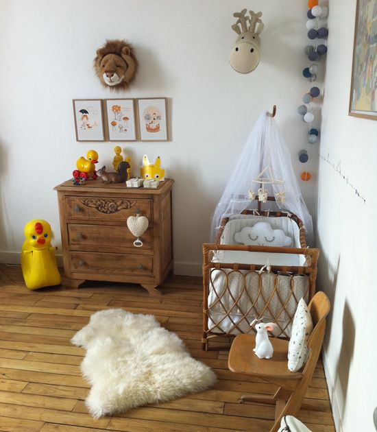 really sweet baby bedroom #vintage #wood  #baby #zu