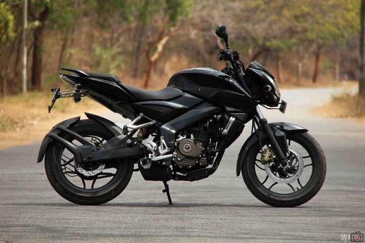 Karthik Reddy wants to sell Bajaj Pusar 200NS Black colour in Bangalore