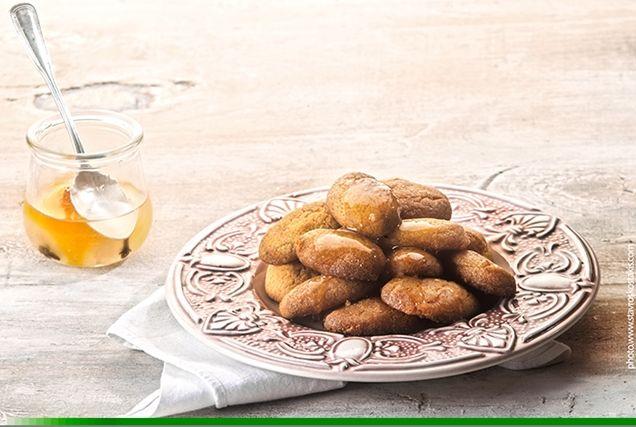Σαρακοστιανά φοινίκια από την Αργυρώ Μπαρμπαρίγου | Φτιάξτε αυτά τα εύκολα, γρήγορα και νηστίσιμα σιροπιαστά γλυκά, ιδανικά για τις ημέρες της Σαρακοστής