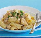 Ριγκατόνι με κοτόπουλο και μανιτάρια σε κρεμώδη σάλτσα