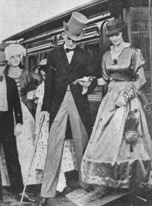 Fashionably attired gentleman assists lady to alight from Brisbane's first railway carriage, Ipswich, undated / John Oxley Library, State Library of Queensland, Neg: 61827 http://hdl.handle.net/10462/deriv/128481 | thefashionarchives.org