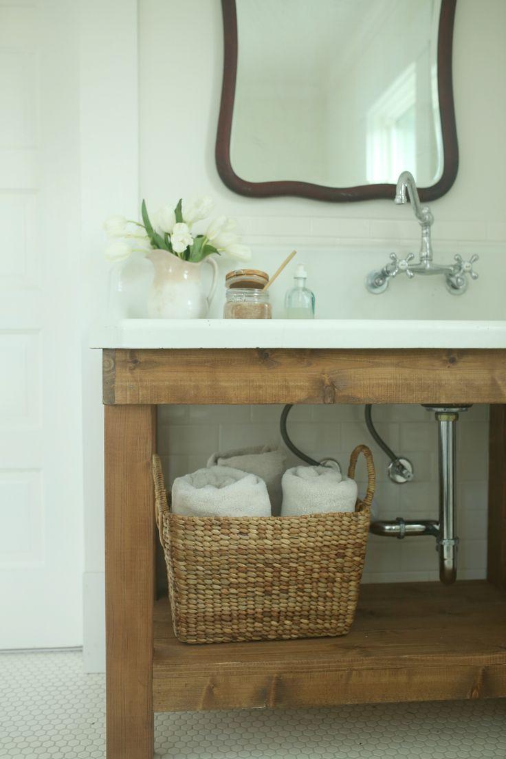 farmhouse-diy-bathroom-vanity