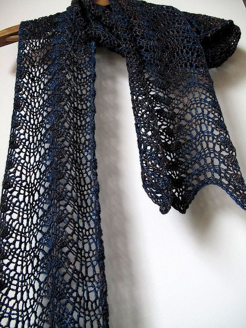 Feather & Fan Scarf - free crochet pattern on Ravelry - super easy: all you have to do is repeat two rows! nice share xox