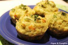 Bolinhos assados de arroz com brócolis. | 14 formas de fazer o arroz da sua geladeira parecer comida de restaurante