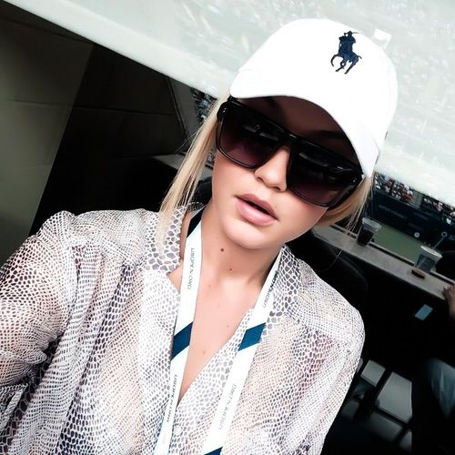 Image via We Heart It #beautiful #blonde #fashion #model #ralphlauren #streetfashion #fashionstyle #instagram #gigihadid