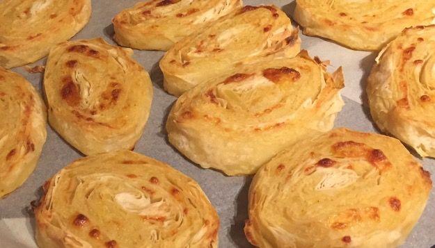 Pratik patatesli rulo börek tarifi nasıl hazırlanır? Derin dondurucuda saklanabilirmi?Süper lezzetli patatesli rulo börek tarifi için ziyaret edebilirsiniz