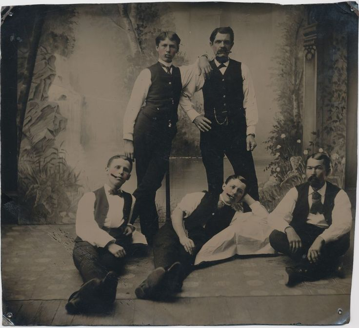 RARE 6 3/4 by 6 1/4 TINTYPE OF DOC HOLLIDAY & EARP BROTHERS