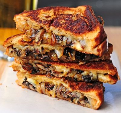 30 ways to make a grilled cheese - Mushrooms Onion and Gouda Grilled Cheese.. I'm gonna add Bacon too