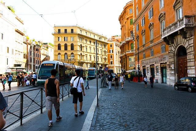 Via Arenula, the old stomping ground. Roma, Italia