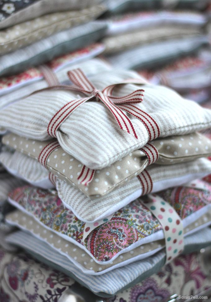 gift idea : homemade lavender bags using Liberty prints, by Sania Pell
