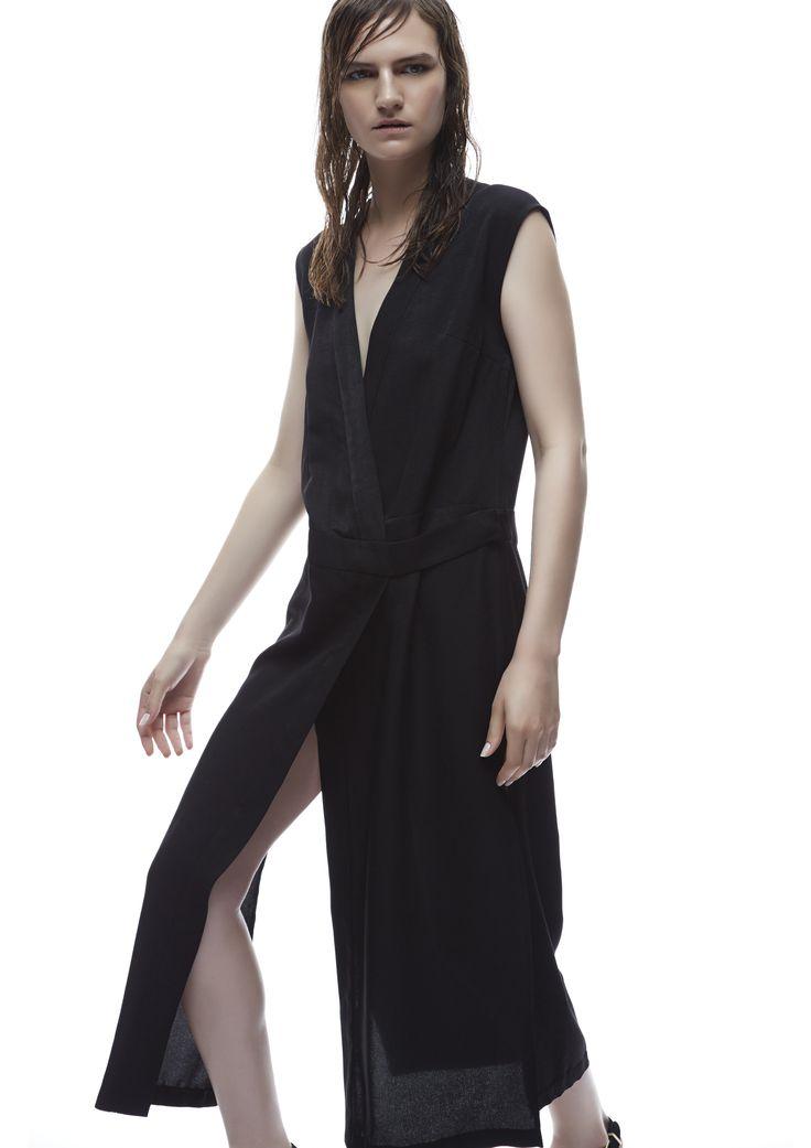THIRD FORM SPRING 15 | ROBE WRAP DRESS #thirdform #fashion #streetstyle #style #minimalism #trend #model #black&white