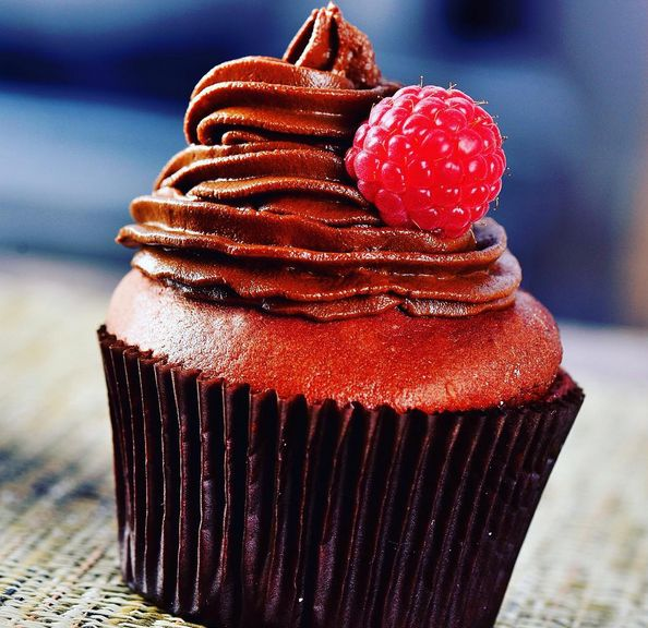 """Over ridiculous """"detox"""" cleanses? This one might interest you: It involves cake."""