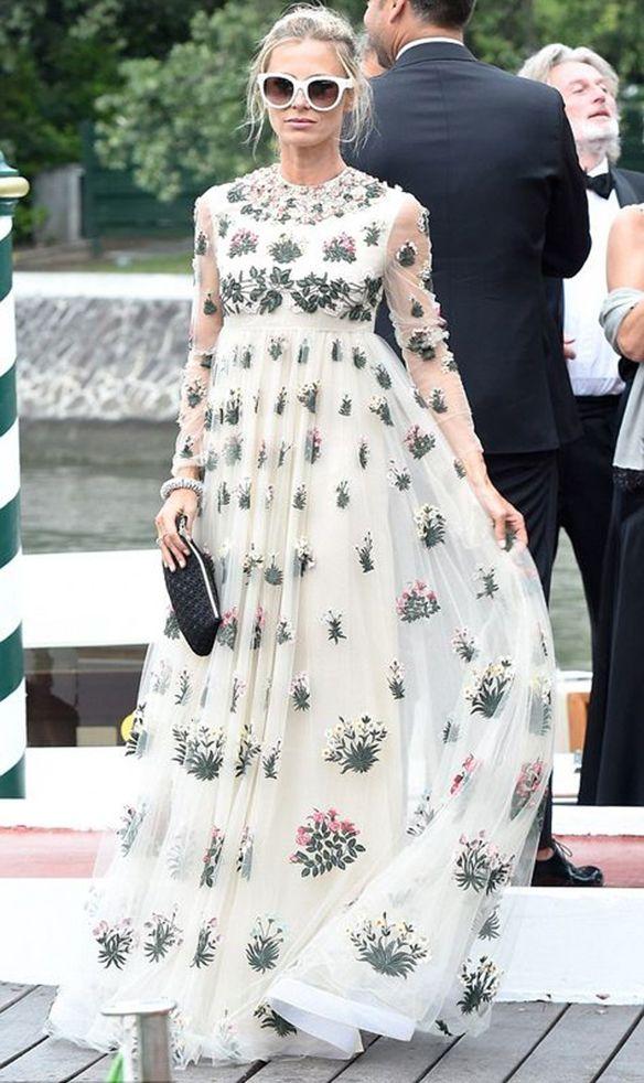 15-colgadas-de-una-percha-que-tipo-de-novia-eres-what-kind-of-bride-are-you-wedding-gown-dress-vestidos-de-novia-bodas-floral-print-estampado-de-flores-6