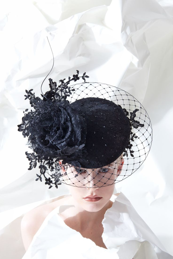 OC 956 | Philip Treacy London