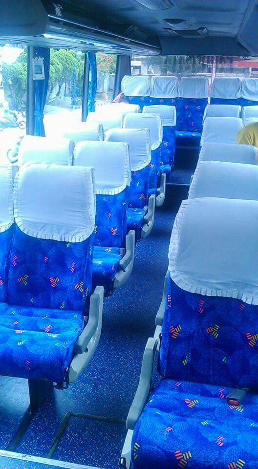 Bagian dalam bus 25 seater