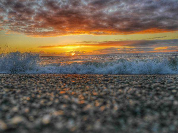 Hokitika New Zealand sunset thesweetwanderlust.com #westcoastnz