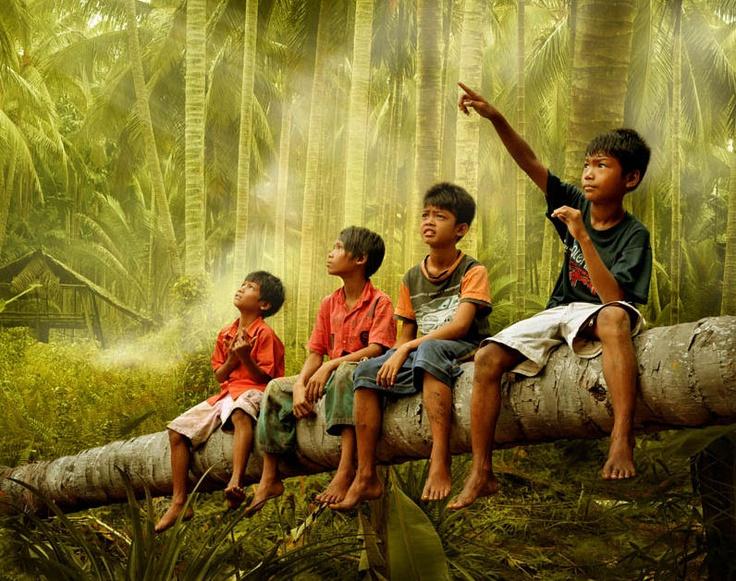 Gente/ niños asiaticos