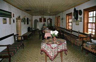 Το αρχονταρίκι (εσωτερική άποψη) της Ιεράς Μονής Κωσταμονίτου / The guest house (internal view) of the Holy Monastery of Konstamonitou